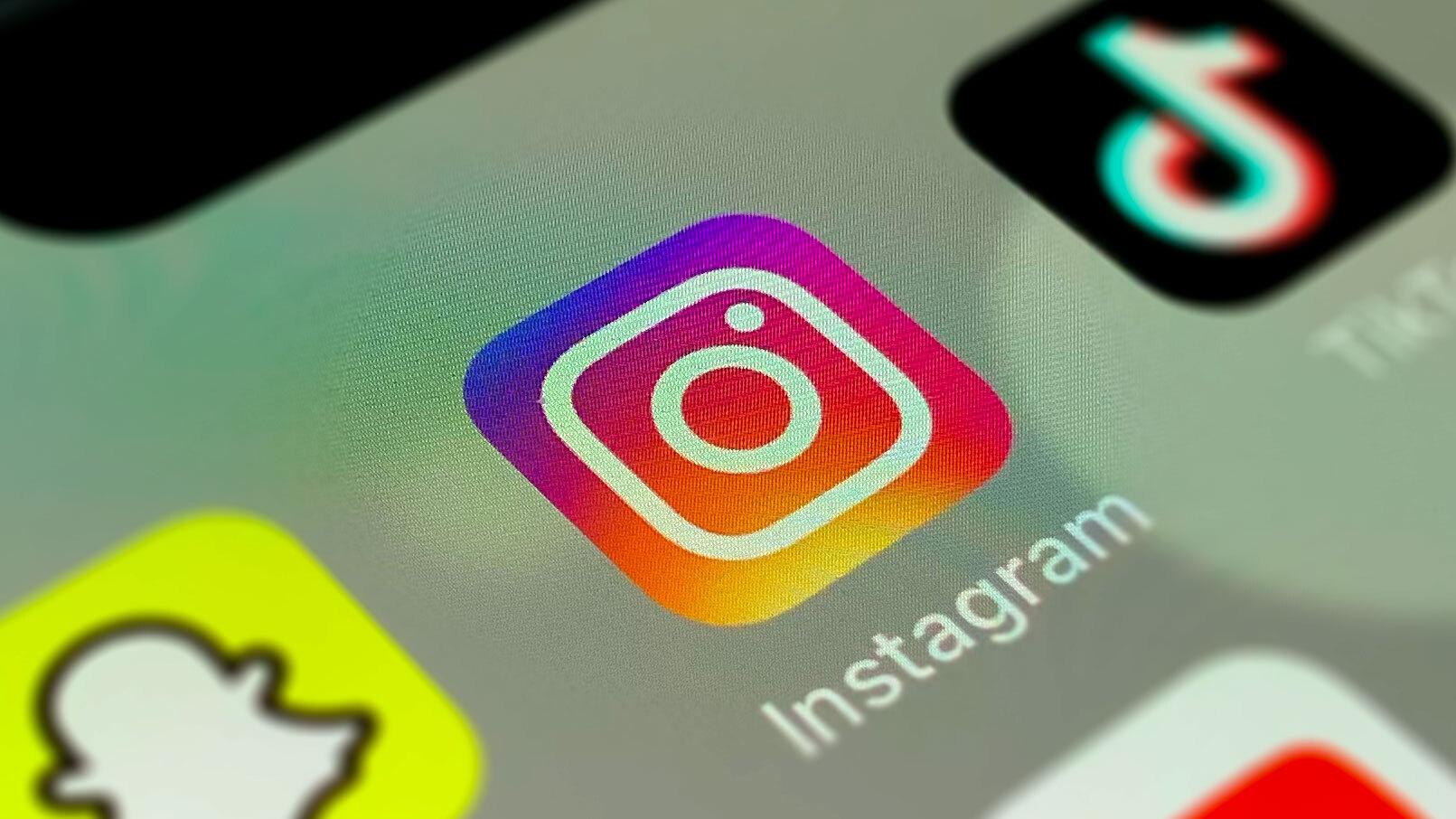 Instagram is ditching 'swipe-up' links in favor of stickers   TechCrunch