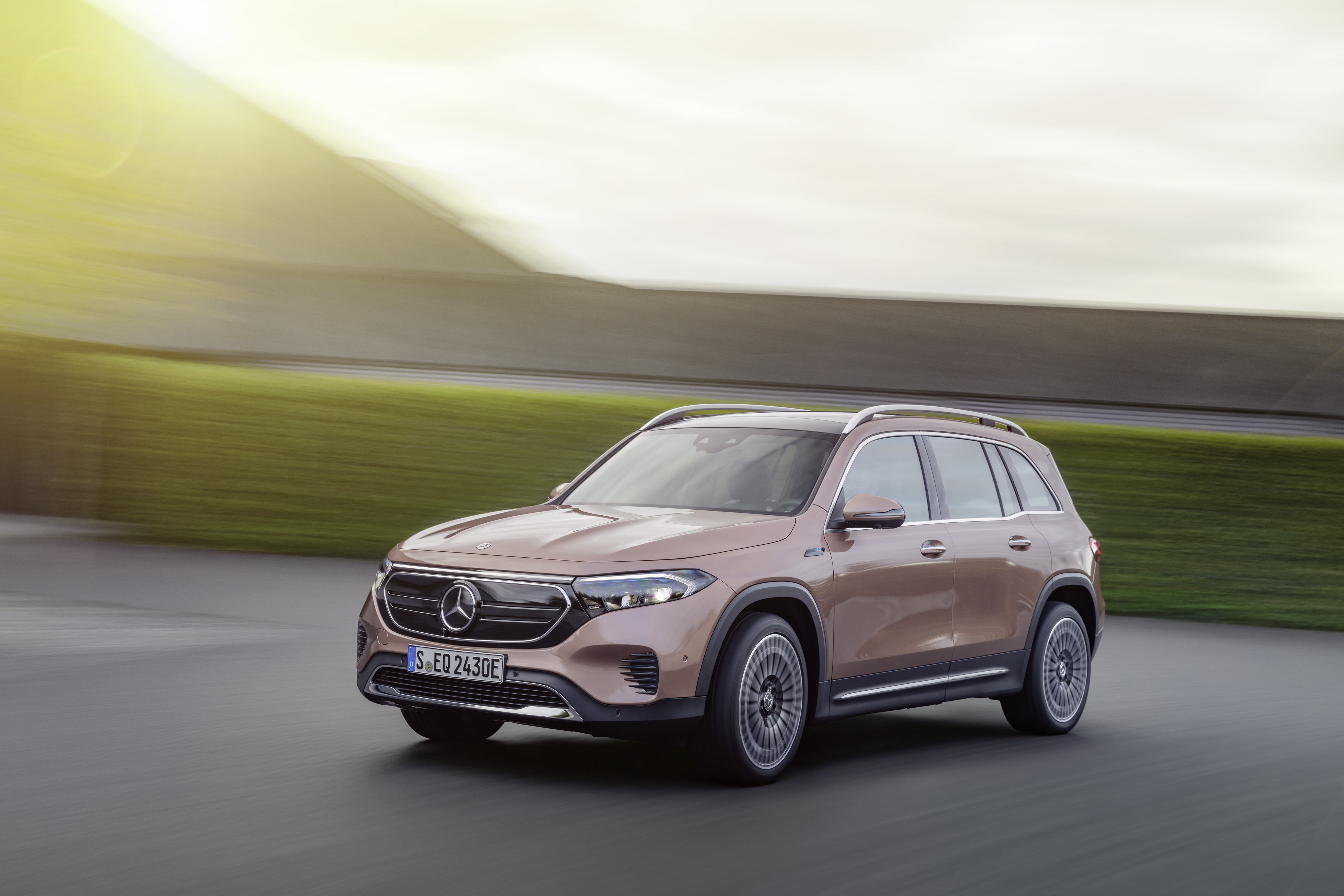 Mercedes-Benz throws down the EV gauntlet at IAA Mobility