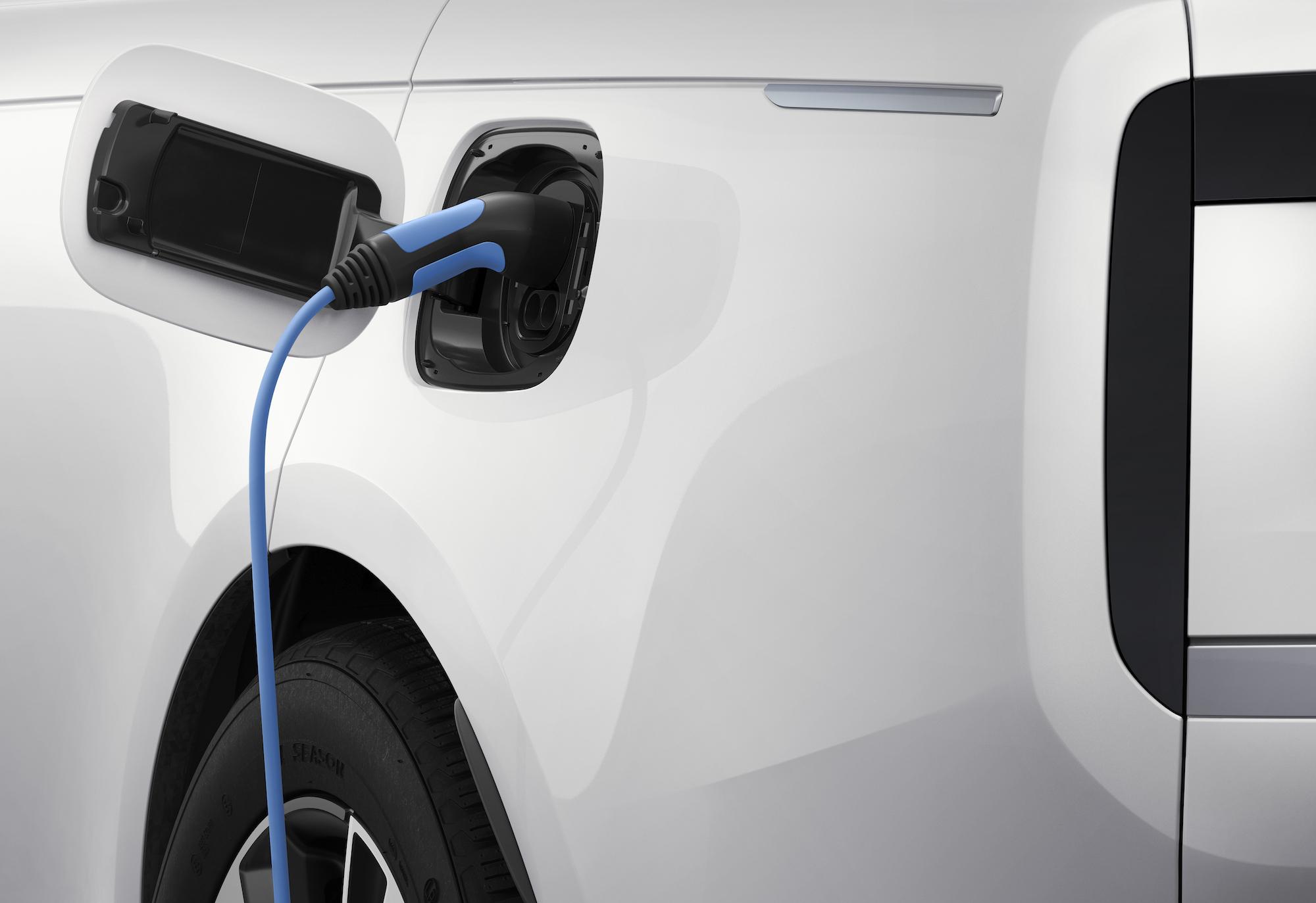 Range Rover plug in hybrid electric SUV 2023
